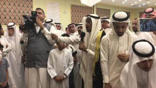 الشاعر محمد الدباب يلقي قصيدة في زفاف صديق العمر محمد الأحمد