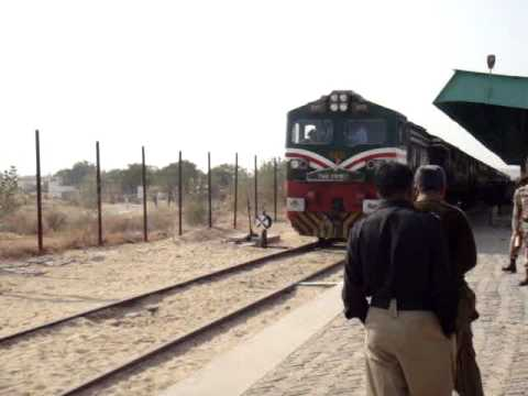 Khokhrapar Monabao Train at Zero Point.MPG