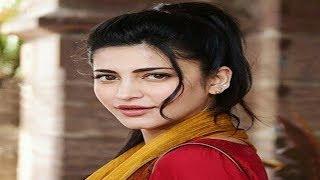 కారులో రొమాన్స్  చేస్తూ దొరికి పోయిన శృతి హాసన్ | Shruthi Hassan Romance In Car | YOYO Cine Talkies