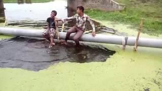 চরম হাসাহাসির ভিডিও না দেখলে মিস করবেন