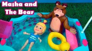 Masha and The Bear in the Swimming Pool  - MASHA E O URSO NA PISCINA