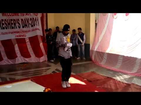 nikhil gupta performing at gcet jammu.flv