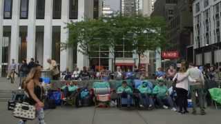 The Wait – Waiting in line for the iPhone 6