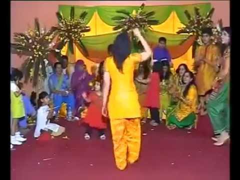 sexy desi girl dance in public sheela ki jawani