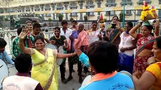 Beautiful Aunty Amazing Dance In Village Festivals - Top Popular
