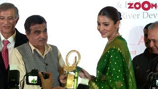 Anushka Sharma in elegant green saree at Priyadarshini Academy Global Awards 2018