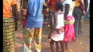 Kibur'Kiri; Mapouka à la Congolaise. Folklore et danse béémbés à Mouyondzi au Congo-Brazzaville