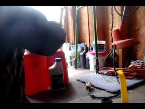How To Make a 32:1 and a 50:1 Gas Oil Mixture
