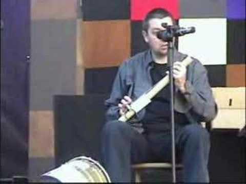 Guitarra violin carton y goma elastica
