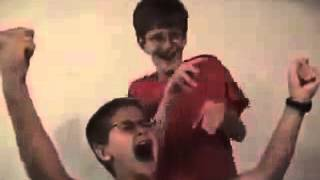Two Boys try to dance and sing - Epic Fail