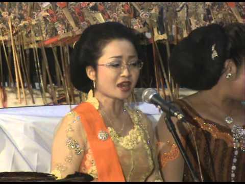 ひろみ狩野 Hiromi Kano Sinden jepang menyanyikan lagu caping Gunung