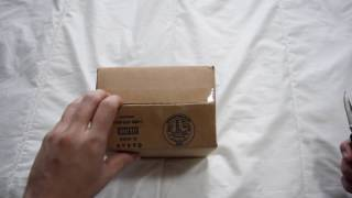 1 Minute Unboxing - Long Island Watch (Traser H3 Code Green MIL-W-46374F)