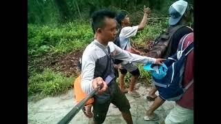Traveling in The Vilage Madobag - Mentawai    Mentawai Island