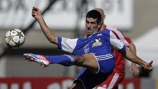 Novak Djokovic shows off his football skills