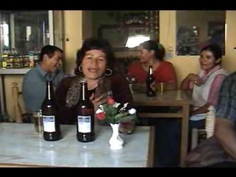Julia Campoblanco Entre Licor y Licor