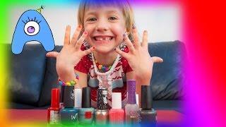 НЕВЕРОЯТНЫЙ маникюр для Ники! Разноцветные лаки для ногтей! СамиСамиТВ