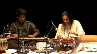 Scintillating sound of santoor played by Bhajan Sopori