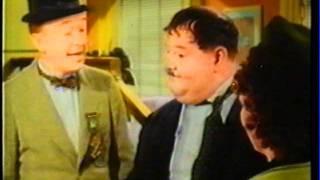 O Gordo e o Magro (Dublado em Côres) A Ceia dos Veteranos