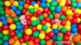 LEARN COLOR for kids children toddlers with Balls