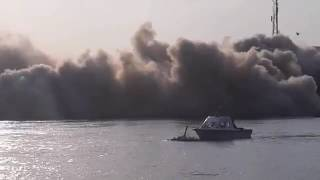 لحظة تفجير برج بنها المخالف على النيل
