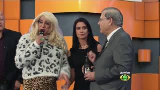 Milton Neves contrata substituta para Larissa Erthal