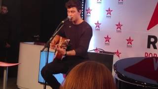 Shawn Mendes Live - TREAT YOU BETTER (Virgin Radio Paris)