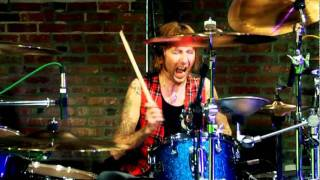 Shannon Larkin - Straight out of line
