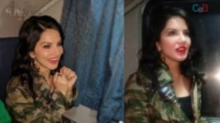 Sunny Leone with Shahrukh in train