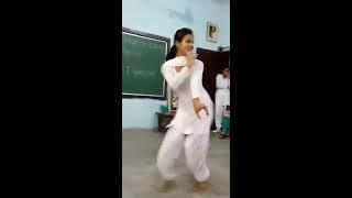 Bolan me ke totta sai  Haryanawi very hot dance by School Girl