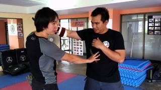 JDT knife fighting # การปาดฟัน vs. การแทง 1