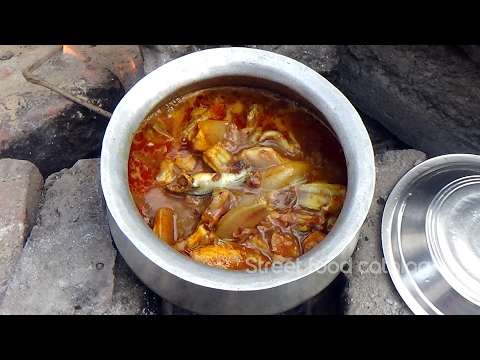 How To Cook Small Fish Curry Recipe In Village Style || Chepala Pulusu || Street Food Catalog