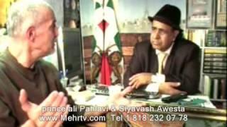 2نواده رضا شاه:من نه چپ بودم نه با اسلام سیاسی موافق