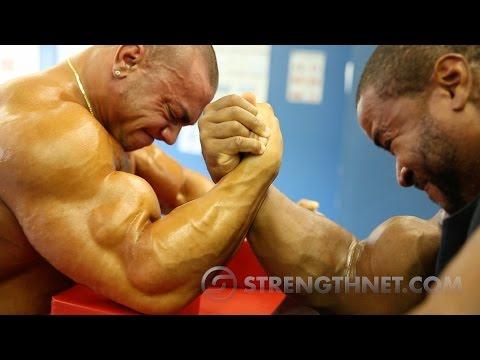 Arm Wrestling: Anthoneil vs Tristen