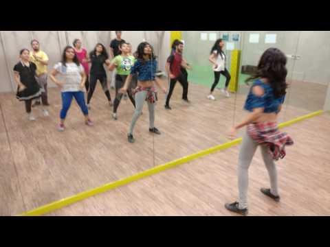 Suit Suit Karda | Hindi Medium | Bollywood Zumba | Fitness Dance | Shruti Trivedi