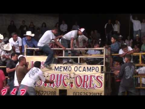 Jinete Montando Borracho Un Destructor Jaripeo 2011