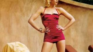 Gwen Stefani - Wind It Up (HQ)