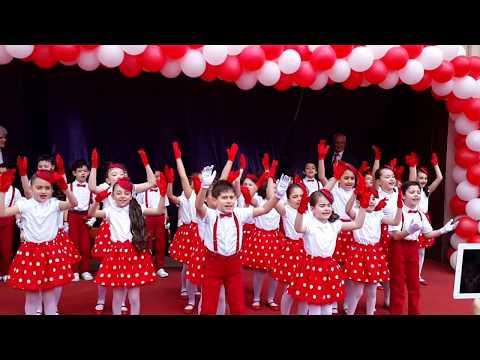 İncirlik Ahmet Hamdi Tanpınar İlköğretim Okulu 2B Sınıfı 23 Nisan Gösterisi