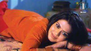 Tanhai Ke Raat   Bhojpuri Movie Romantic Scene