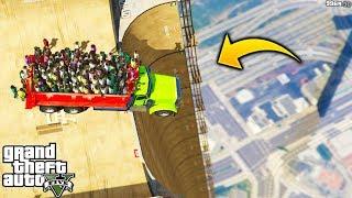 ¿Que Pasa Si Bajamos Con Un Camio con 100 Persona Desde Una Mega Rampa de GTA 5?