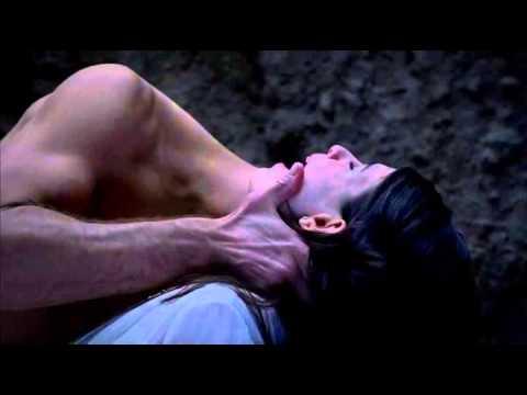 TRUE BLOOD: Eric turns Willa into a vampire