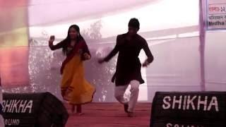 বৃষ্টি পরে টাপুর টুপুর বাংলা  Bristy pore tapur tupur bangla song Amirjan collage nobin boron 2015