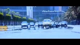 Bang Bang F1 car chase climax scene