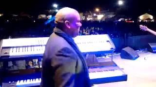 Emo Adams sing sy nuwe Henties vrugtesap lied by Kirkwood Wildsfees 25/6/16