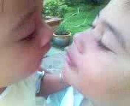 Xxx Mp4 Ciuman Mesra Sepasang Kakak Adik 3gp Sex