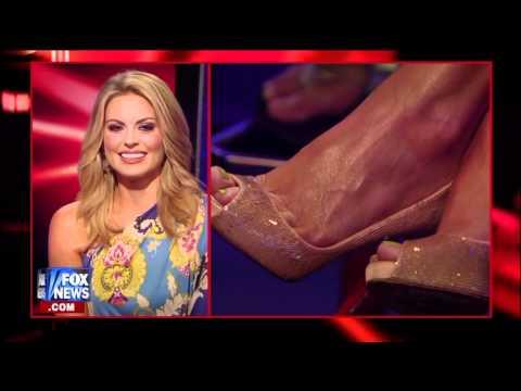 Courtney Friel Foot Tease Leg Cross 07 12 11 RE HD