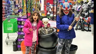 kids shopping for Halloween costumes at Party City!!! fun video