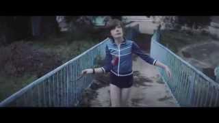 Robin Schulz feat Ilsey - Headlights (Official Music Video) [REVERSE]