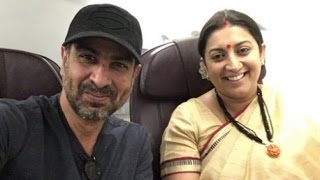 Ex co stars Smriti Iran and Ronit Roy bumped into each other at a flight!