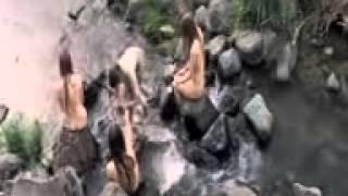 Intip Gadis Desa Mandi Di sungai