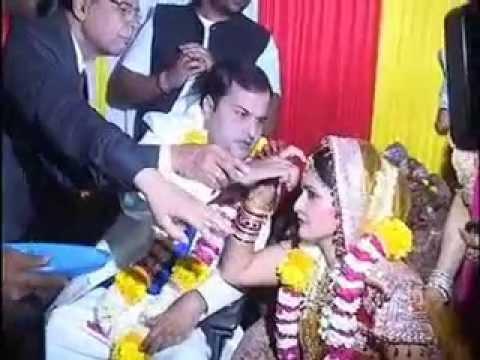 इंदौर में एमबीए लड़की ने पेश की प्यार की मिसाल... (Indore, 24 Feb. 2014)